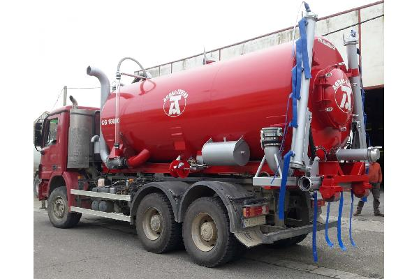 Cisterna para camión con gancho